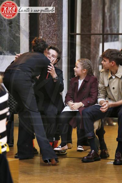 Harper Beckham, Cruz Beckham, Romeo Beckham, Victoria Beckham - New York - 11-02-2018 - NYFW: a fare il tifo per Victoria c'è tutta la famiglia Beckham