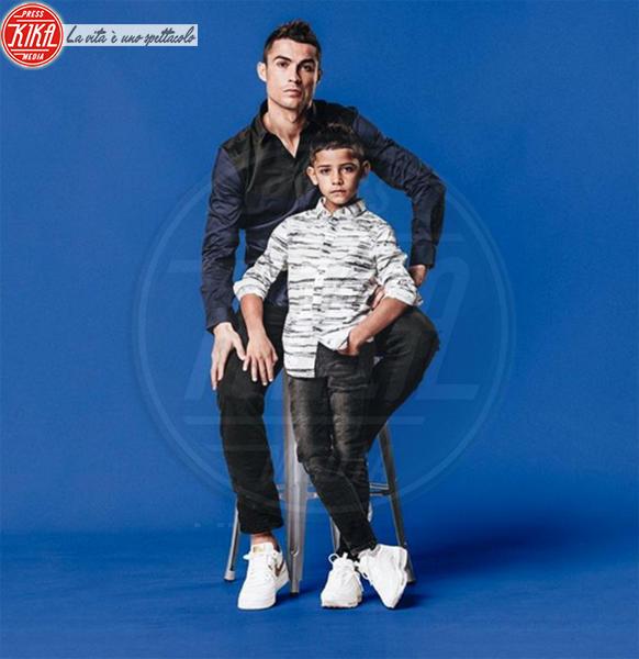 Cristiano Ronaldo jr., Cristiano Ronaldo - Madrid - 12-02-2018 - CR7 e il figlio Cristiano in versione modelli spopolano sul web