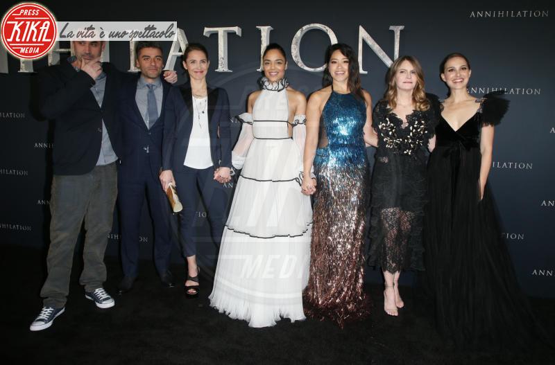 Tessa Thompson, Tuva Novotny, Gina Rodriguez, Oscar Isaac, Jennifer Jason Leigh, Natalie Portman - Westwood - 14-02-2018 - Natalie Portman è una dark lady alla prima di Annihilation