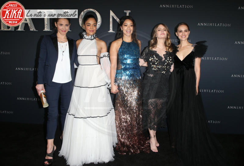 Tessa Thompson, Tuva Novotny, Gina Rodriguez, Jennifer Jason Leigh, Natalie Portman - Westwood - 14-02-2018 - Natalie Portman è una dark lady alla prima di Annihilation