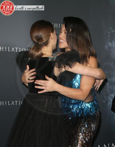 Gina Rodriguez, Natalie Portman - Westwood - 14-02-2018 - Natalie Portman è una dark lady alla prima di Annihilation