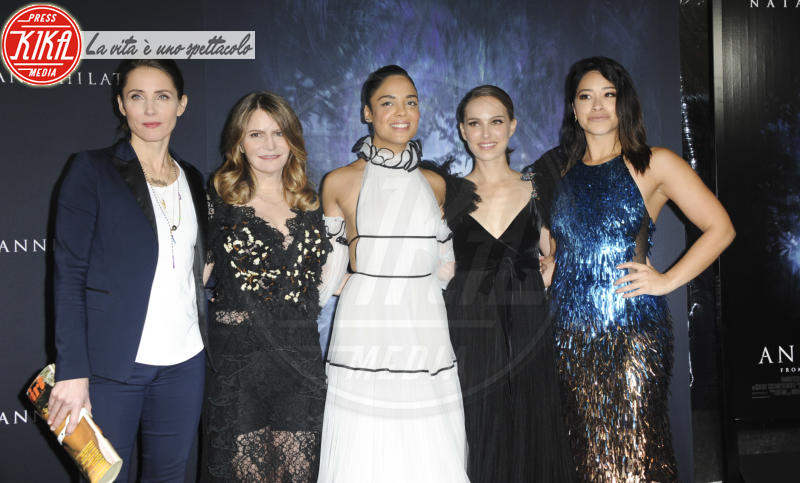 Tuva Novothy, Tessa Thompson, Gina Rodriguez, Jennifer Jason Leigh, Natalie Portman - Los Angeles - 14-02-2018 - Natalie Portman è una dark lady alla prima di Annihilation