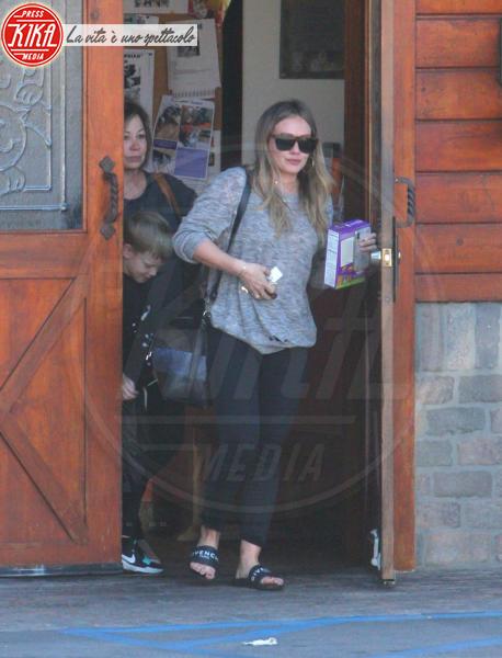 Susan Colleen Duff, Hilary Duff - Studio City - 18-02-2018 - Hilary Duff in lacrime, addio a uno dei suoi cagnolini?