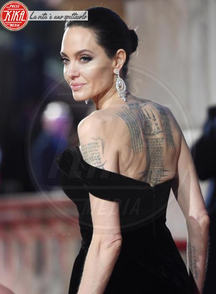 Angelina Jolie - Londra - 18-02-2018 - Dalle stalle alle stelle: i lavori umili delle star