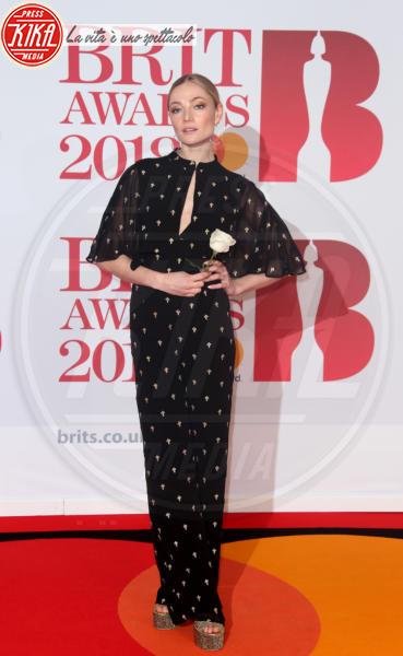 Clara Paget - Londra - 21-02-2018 - Brits 2018: Dua Lipa e le altre, una rosa bianca per Time's Up