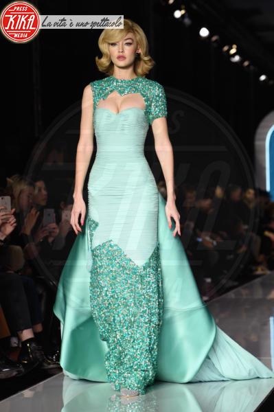Moschino, Gigi Hadid - Milano - 21-02-2018 - Gigi Hadid, ieri e oggi: