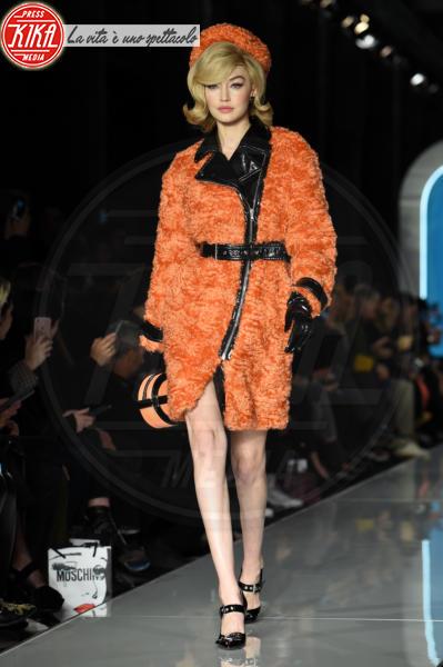 Moschino, Gigi Hadid - Milano - 21-02-2018 - Milano Moda Donna, Bella Hadid sfila per Moschino