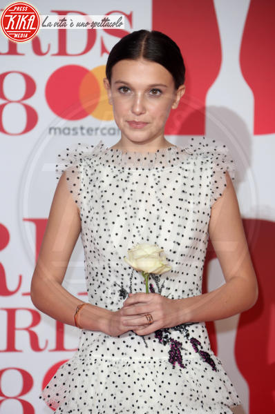 Millie Bobby Brown - Londra - 21-02-2018 - Chi lo indossa meglio? Millie Bobby Brown e Kirsten Dunst