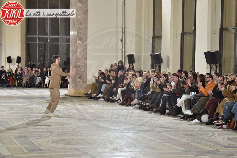 Sfilata Jacquemus, Simone Porte Jacquemus - Parigi - 26-02-2018 - Paris Fashion Week: l'annuncio a sorpresa di Jacquemus