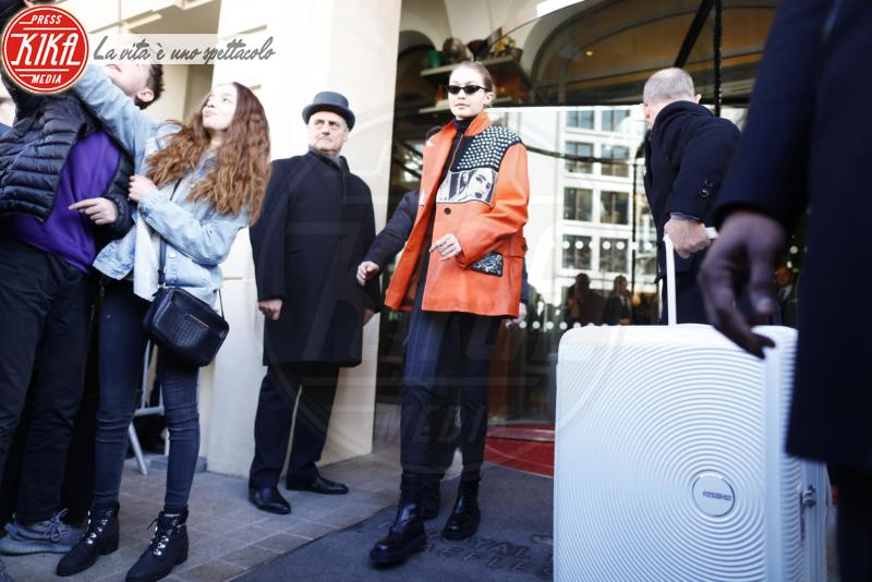 Gigi Hadid - Parigi - 03-03-2018 - Paris Fashion Week: Gigi e Bella Hadid conquistano Parigi
