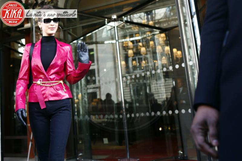 Bella Hadid - Parigi - 03-03-2018 - Paris Fashion Week: Gigi e Bella Hadid conquistano Parigi