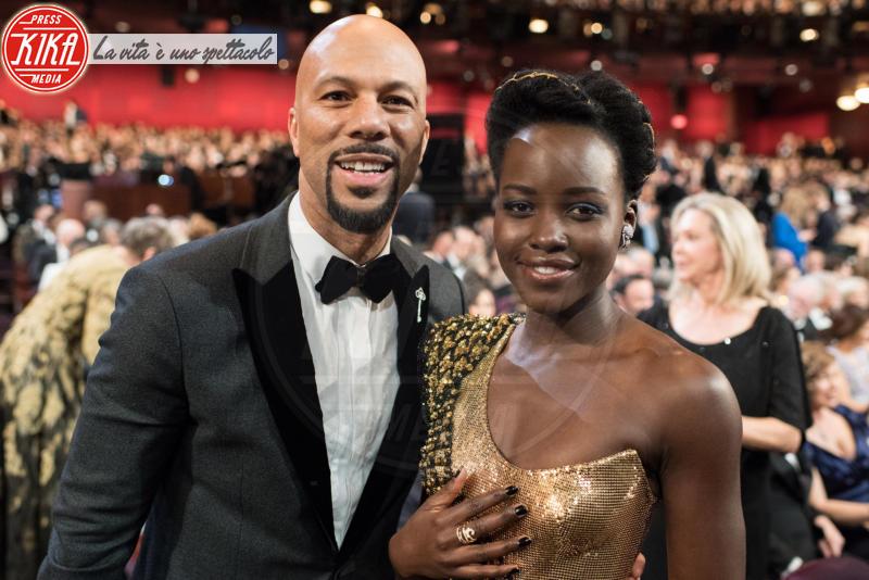 Lupita Nyong'o, Common - Los Angeles - 04-03-2018 - Oscar 2018: Frances McDormand salva una cerimonia blanda