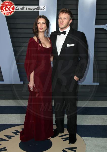 Sebastian Bear-McClard, Emily Ratajkowski - Beverly Hills - 04-03-2018 - Emily Ratajkowski mostra l'enorme anello di fidanzamento