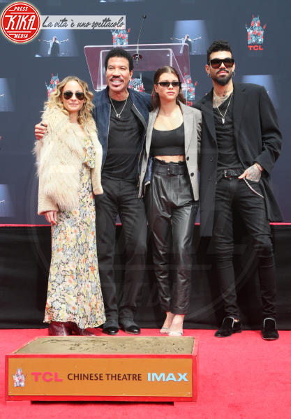 Miles Richie, Sofia Richie, Lionel Richie, Nicole Richie - Hollywood - 07-03-2018 - Lionel Richie affonda le mani nella leggenda