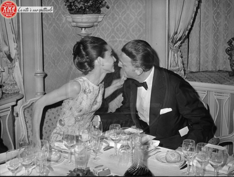 Hubert de Givenchy, Audrey Hepburn - Parigi - 09-02-1972 - Addio a Hubert de Givenchy, lo stilista amato da Audrey Hepburn