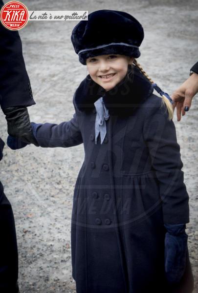 Principessa Estelle di Svezia - Stoccolma - 12-03-2018 - Victoria ed Estelle di Svezia: l'outfit è sempre coordinato!