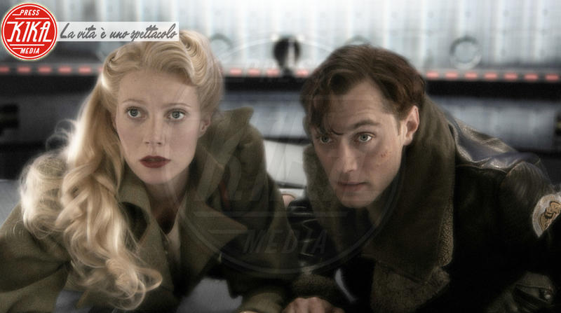 Gwyneth Paltrow, Jude Law - Los Angeles - 14-09-2004 - Jude Law nei panni di Albus Silente? Wow!