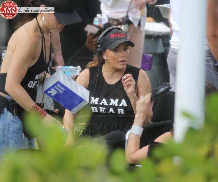 Eva Longoria - Miami Beach - 19-03-2018 - Eva Longoria infaticabile Mamma Orso sul set di Grand Hotel