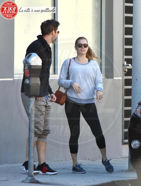 Darren Le Gallo, Amy Adams - West Hollywood - 19-03-2018 - Star come noi, Amy Adams, niente trucco per fare la spesa