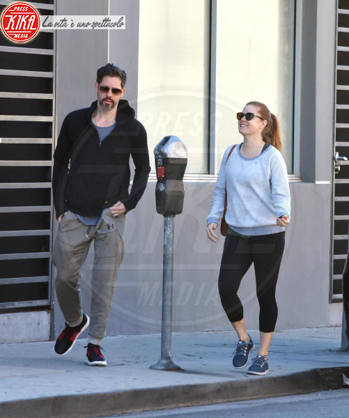 Darren Le Gallo, Amy Adams - West Hollywood - 19-03-2018 - Star come noi, Amy Adams, niente trucco per fare la spesa