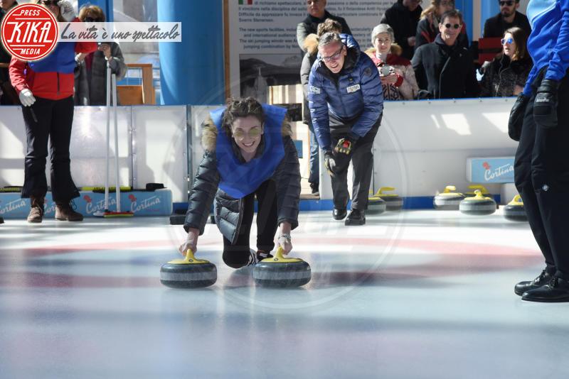 Carly Paoli - Cortina - 23-03-2018 - Lezioni di curling per gli attori di Cortinametraggio