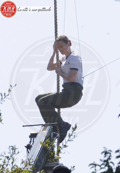 Brie Larson - Culver City - 29-03-2018 - Brie Larson, appesa a una fune sembri Tarzan!