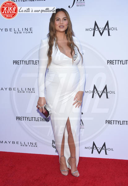 Chrissy Teigen - Beverly Hills - 08-04-2018 - Paris e Frances Bean, i LA Fashion Awards a tutto grunge