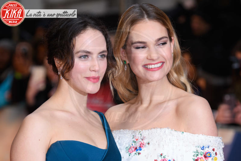 Lily James, Jessica Brown Findlay - Londra - 09-04-2018 - Jessica Brown Findlay e Lily James, reunion di Downton Abbey