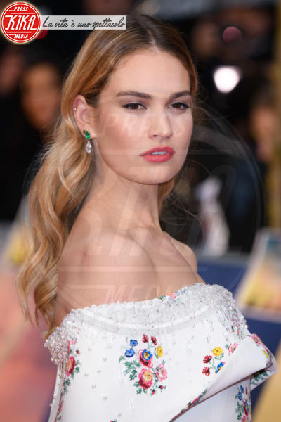 Lily James - Londra - 09-04-2018 - Jessica Brown Findlay e Lily James, reunion di Downton Abbey