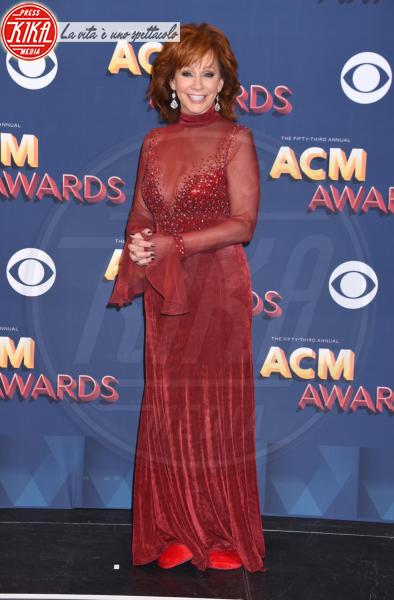 Reba McEntire - Las Vegas - 15-04-2018 - Nicole Kidman regina country: abito dorato e schiena scoperta