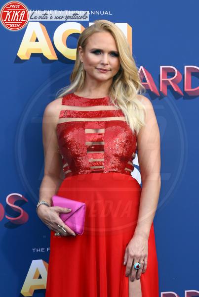 Miranda Lambert - Las Vegas - 15-04-2018 - Nicole Kidman regina country: abito dorato e schiena scoperta