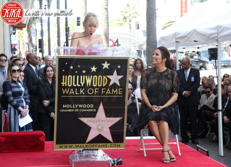 Anna Faris, Eva Longoria - Hollywood - 16-04-2018 - Eva Longoria, una stella col maxi-pancione sulla Walk of Fame