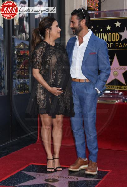 José Antonio Baston, Eva Longoria - Hollywood - 16-04-2018 - Eva Longoria, una stella col maxi-pancione sulla Walk of Fame