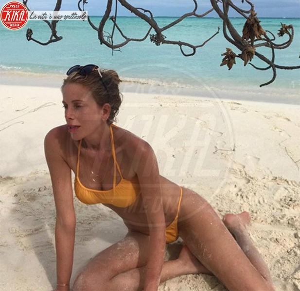 Alessia Marcuzzi - Maldive - 19-04-2018 - Estate 2018: Bikini, trikini, intero, qual è il costume per te?