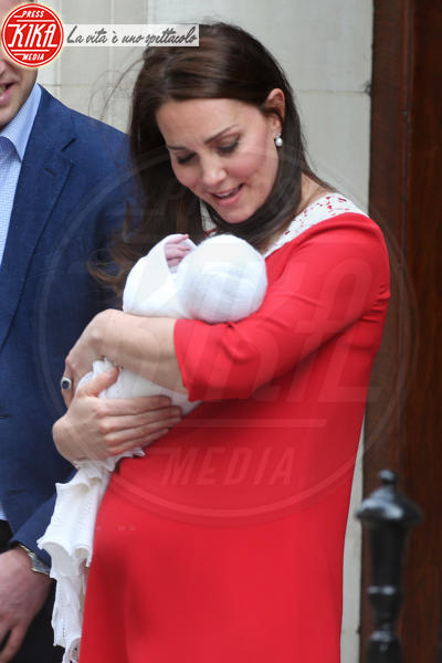 Principe William, Kate Middleton - Londra - 23-04-2018 - Kate Middleton, per il royal baby in rosso come Lady Diana