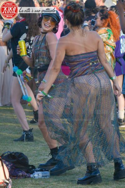 Stella Hudgens, Vanessa Hudgens - Coachella - 22-04-2018 - Vestiti scomodi e dove trovarli: seguite Kim Kardashian!