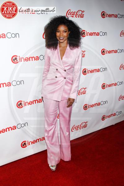 Gabrielle Union - Las Vegas - 26-04-2018 - Blake Lively: pantaloni? No grazie, sotto la giacca... niente!