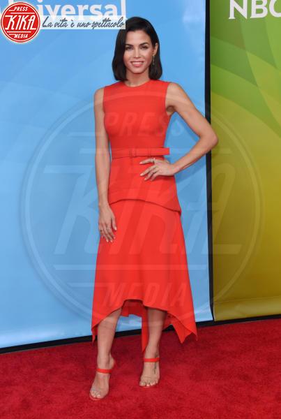 Jenna Dewan - Universal City - 02-05-2018 - Living Coral, è questo il colore del 2019!