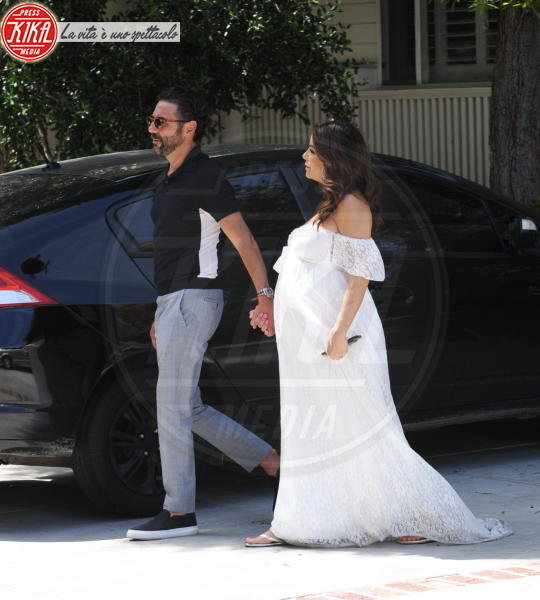 José Antonio Baston, Eva Longoria - Hollywood - 05-05-2018 - Eva Longoria: baby shower col maxi pancione