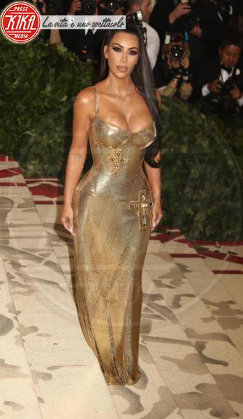 Kim Kardashian - New York - 07-05-2018 - Met Gala 2018: Chi lo indossa meglio? Kim Kardashian/Olivia Munn