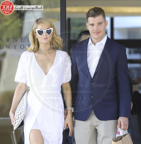 Chris Zylka, Paris Hilton - Beverly Hills - 09-05-2018 - Non solo royal wedding. Preparatevi a una pioggia di nozze vip