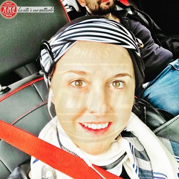 Nadia Toffa - 04-05-2018 - Nadia Toffa dà un calcio al cancro e va in piscina con le amiche