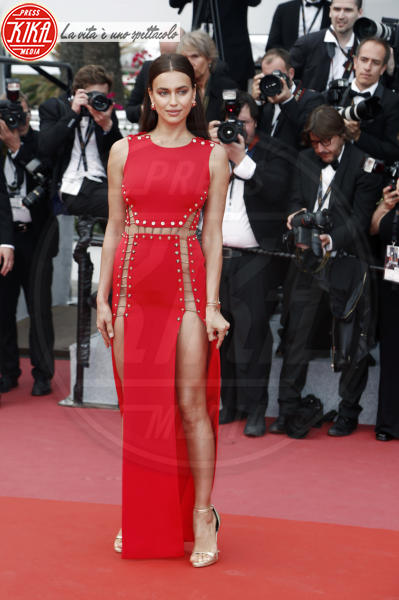 Irina Shayk - Cannes - 10-05-2018 - Da Evangeline a Irina, sul red carpet lo spacco... spacca!