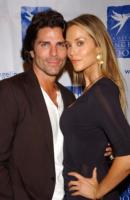 Elizabeth Berkeley, Greg Lauren - Hollywood - 20-10-2007 - Elizabeth Berkeley è incinta