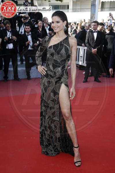 Raica Oliveira - Cannes - 12-05-2018 - Da Evangeline a Irina, sul red carpet lo spacco... spacca!
