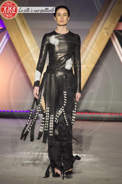 Erin O'Connor - Cannes - 13-05-2018 - Fashion for Relief, in passerella anche... SuperMario Balotelli!