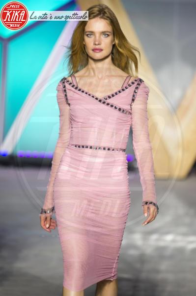 Natalia Vodianova - Cannes - 13-05-2018 - Fashion for Relief, in passerella anche... SuperMario Balotelli!
