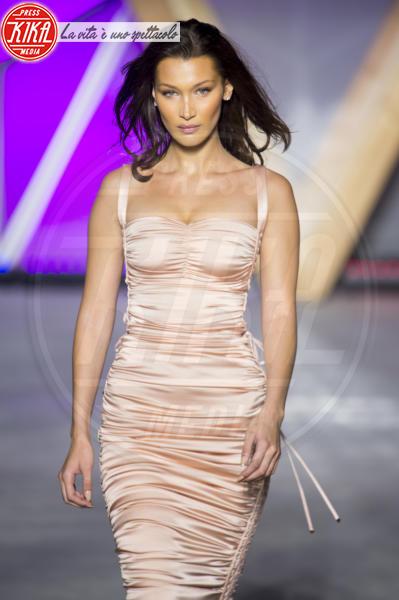 Bella Hadid - Cannes - 13-05-2018 - Fashion for Relief, in passerella anche... SuperMario Balotelli!