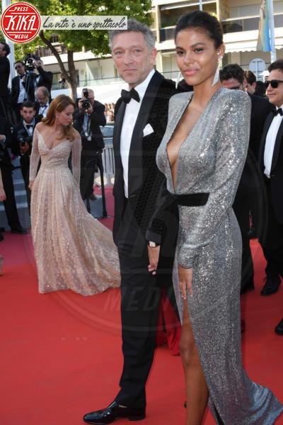 Tina Kunakey, Vincent Cassel - Cannes - 12-05-2018 - Chi lo indossa meglio? Tina Kunakey e Cara Delevingne