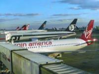 Aerei al terminal JFK - New York - 14-10-2007 - Nuove statue al museo delle cere a Hollywood.